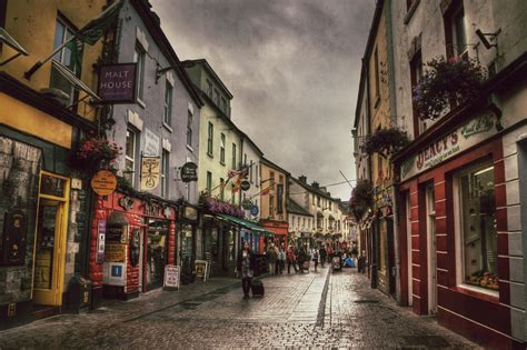 Galway - City in Ireland - Sightseeing and Landmarks